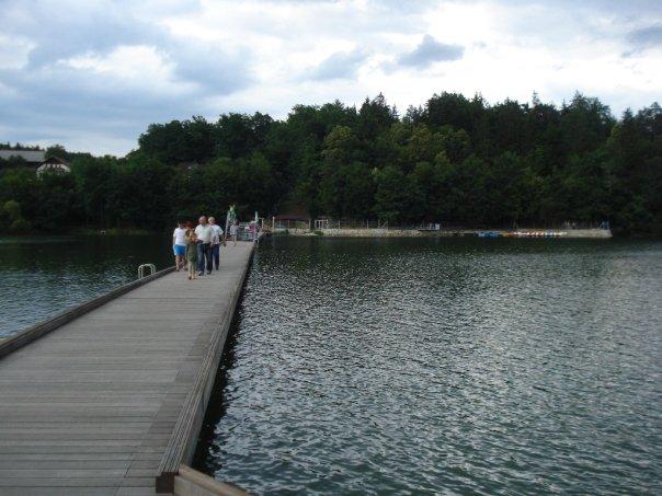 Most prek jezera