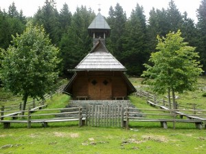 A neat chapel at the foot of the Golte ski resort